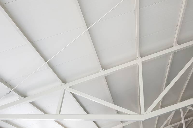 Zabezpieczenie przeciwpożarowe dachu hali w Zwoleniu